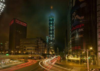 台北 世貿天橋夜拍 by楊比比